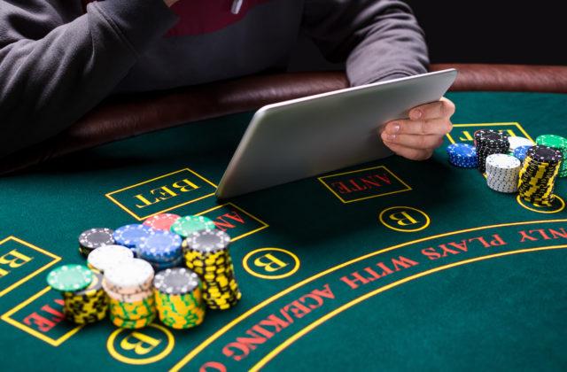 игры для взрослых казино играть